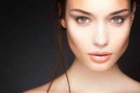 5-reasons-to-be-a-cosmetic-model